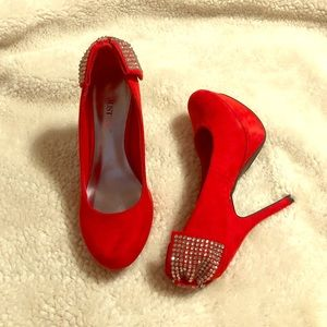 Red faux suede rhinestone bow back pumps size 6.5